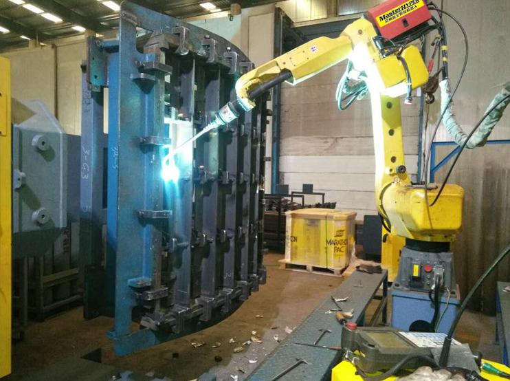 <h3>切割机器人</h3>
